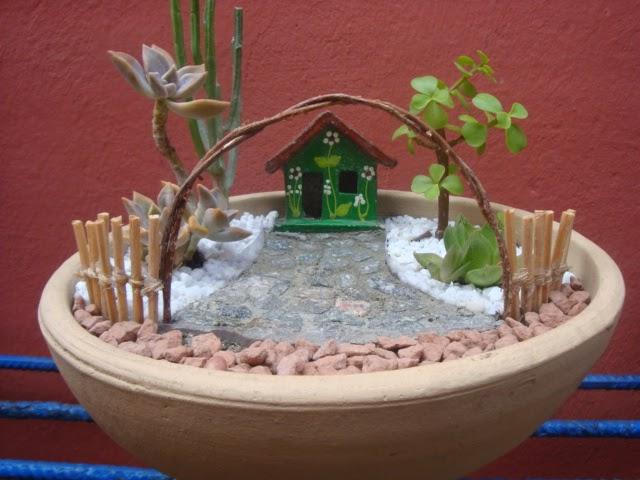artesanato mini jardim:Meu Jardim é Assim: Mini-jardins de cactos e suculenta (vendidos)