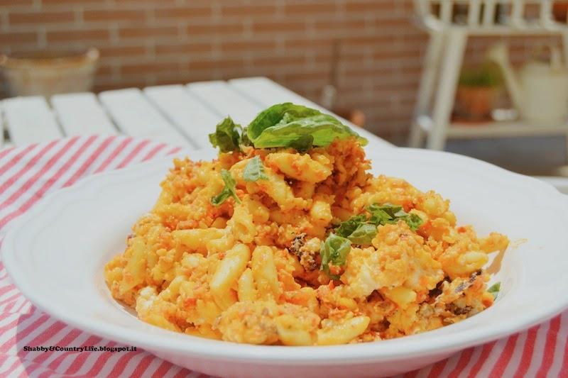 Giorni d'estate : Cavatelli Feta Grilled & Pesto di Pomodori secchi e Mandorle- shabby&countrylife.blogspot.it