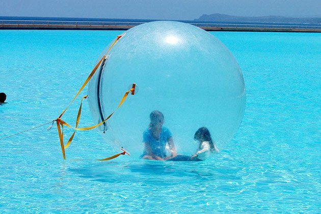 India world 39 s largest outdoor pool for Biggest outdoor pool