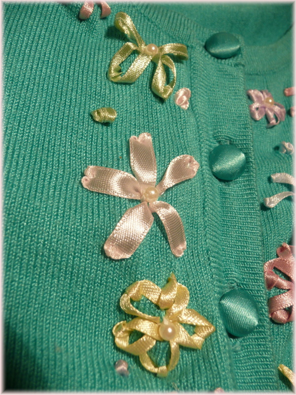 Vita In Vitro Diy Tutorial Satin Ribbon Embroidery Meets A Plain