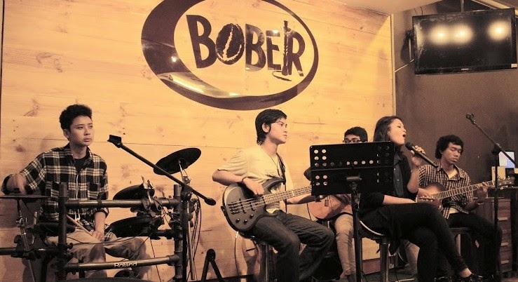 Live Music Bober Cafe