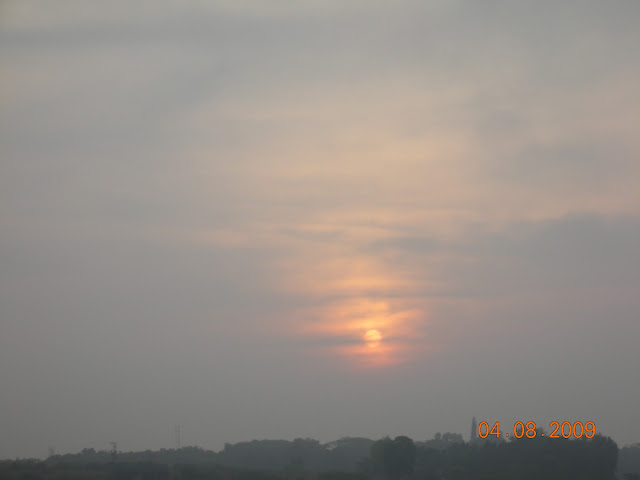 Cloudy sunset over Kabini river