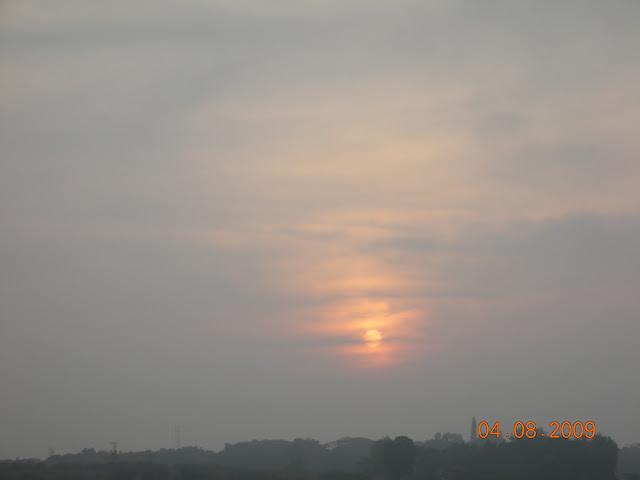 Cloudy sunset over Kabini river