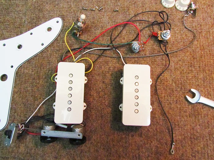 squire jazzmaster wiring harness removed stock crawls backward (when alarmed) squier vintage modified jazzmaster jazzmaster wiring harness at panicattacktreatment.co