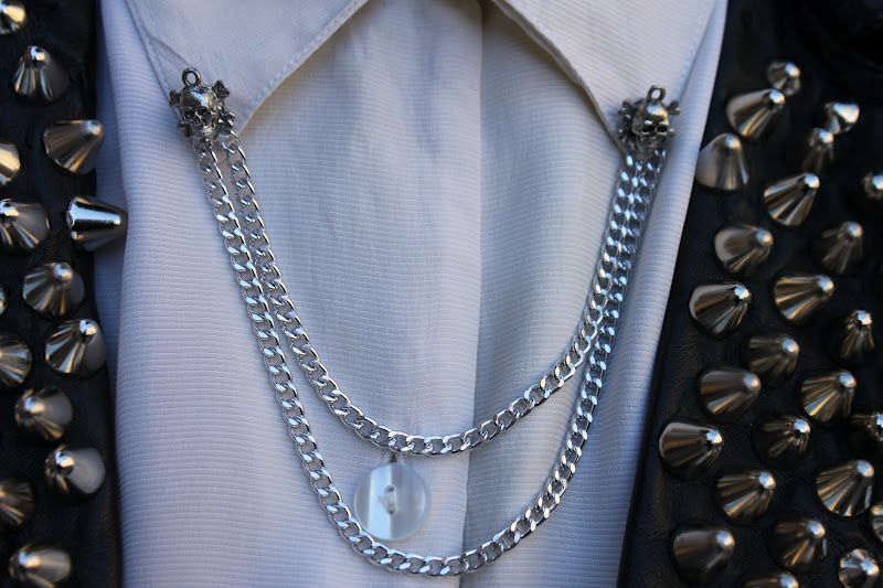 collar chain (Tayloranddemolish)