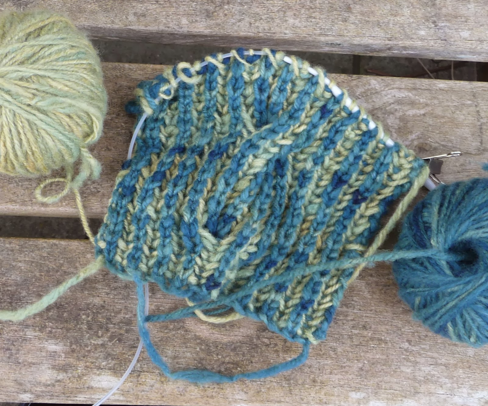 Wool tribulations of hand spinning and herbal dyeing making a with only a limited amount of wool i decided to knit the pattern as written accepting that my version would come up narrower and shorter bankloansurffo Choice Image