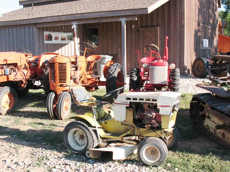 Old Sears 10 Hp Tractors : Smitty sez old iron