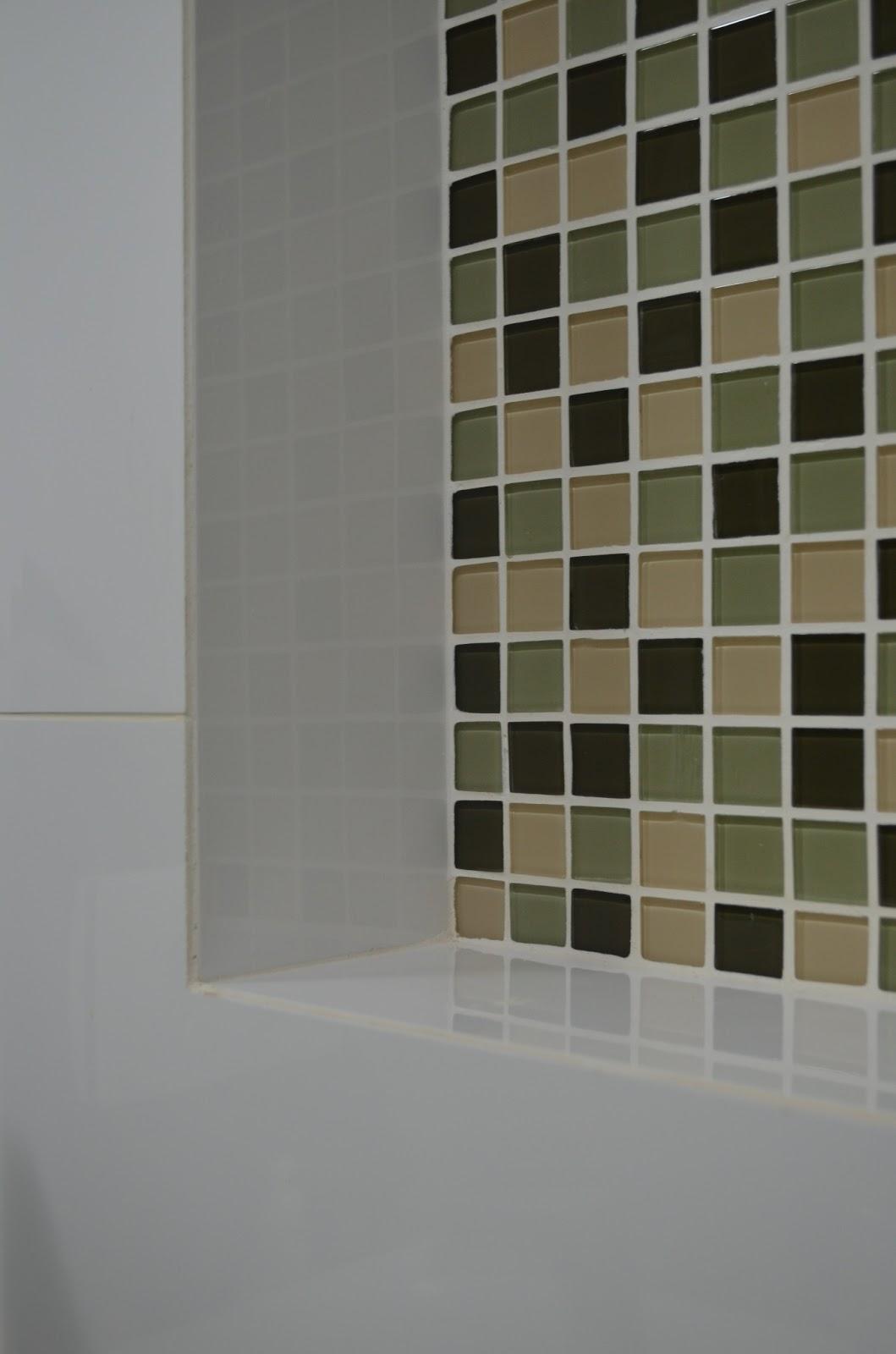 do azulejo branco e criam um visual pratico e moderno ao banheiro #5B4F34 1059 1600