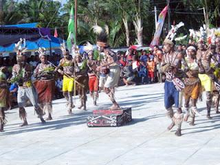 Tarian Cenderawasih Asal Kampung Ampas Tampil di Festival Danau Sentani