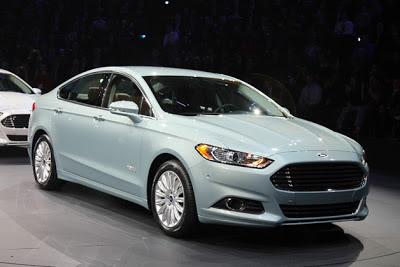 Ford Fusion Energi boasts 620-mile total range, 21 in EV mode