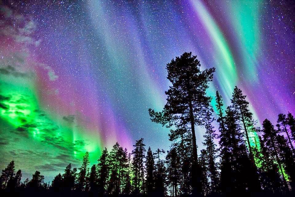 fenomena alam aneh aurora borealis