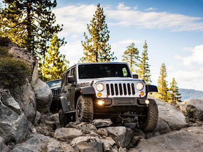 Jeep Wrangler Rubicon 2013 Wallpapers