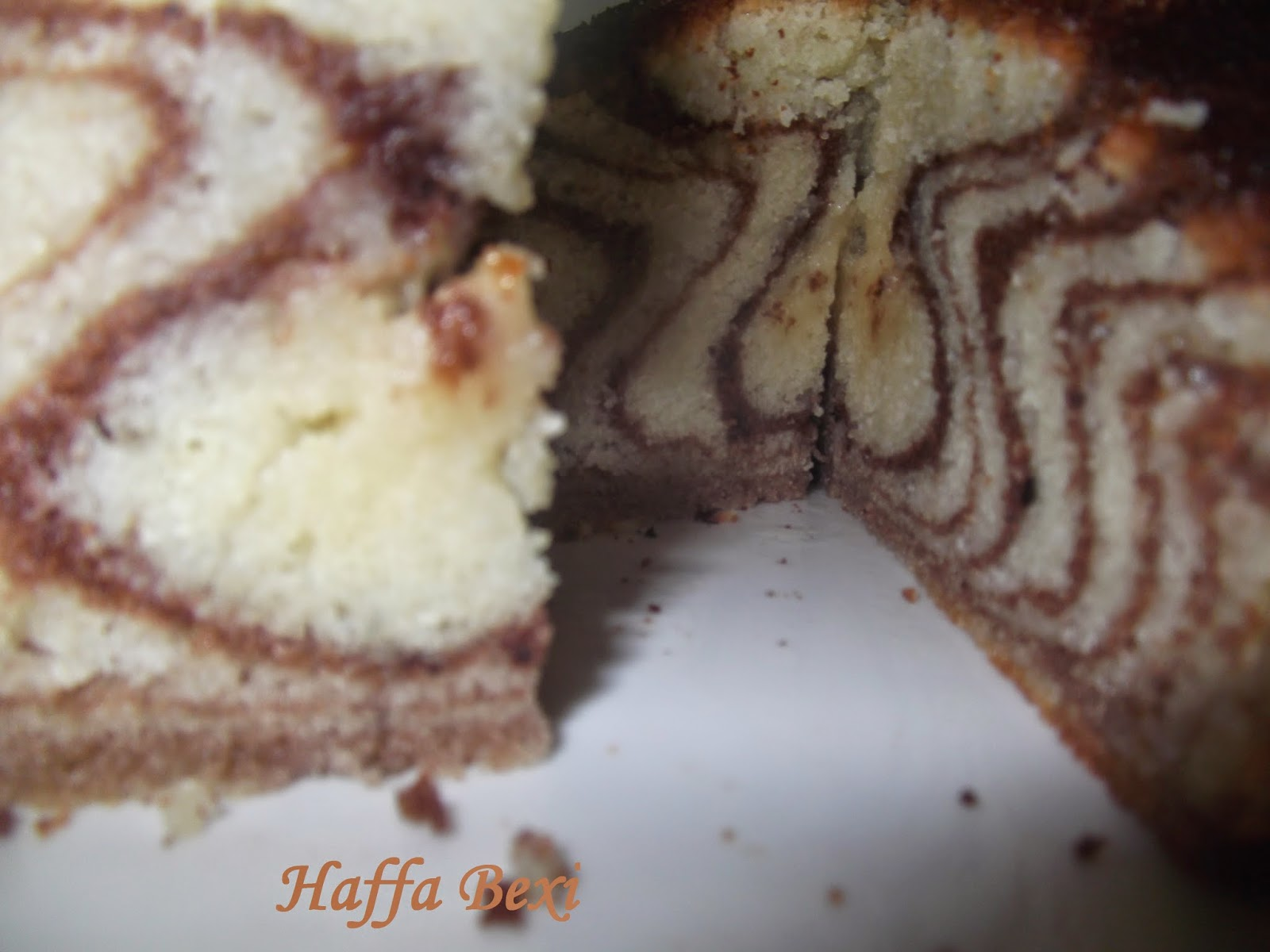 Zebra cake| Print Cake| zebra striped cake| zebra cake recipe| zebra print cake| zebra cakes| how to bake a cake| simple cake recipes