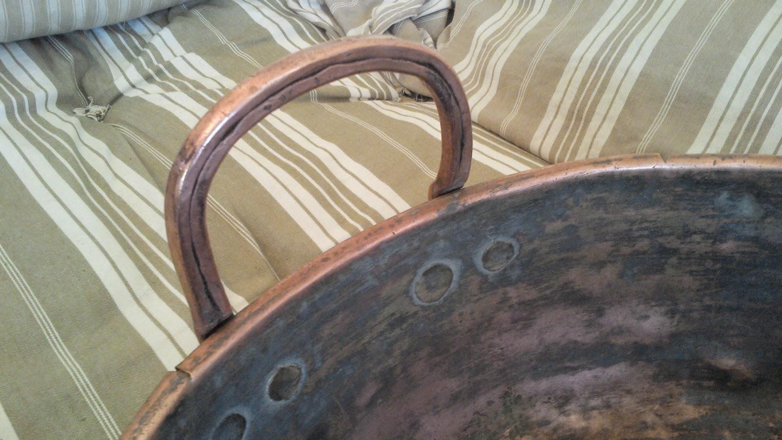 ancien immense cuivre bassignoire confiturier poign es cuivre lessiveuse. Black Bedroom Furniture Sets. Home Design Ideas