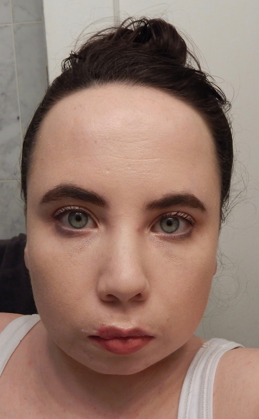Petite in the city my first contouring attempt before doing the contour steps the handy instructions recommended applying foundation beforehand so this is an almost full face minus concealer since the baditri Choice Image