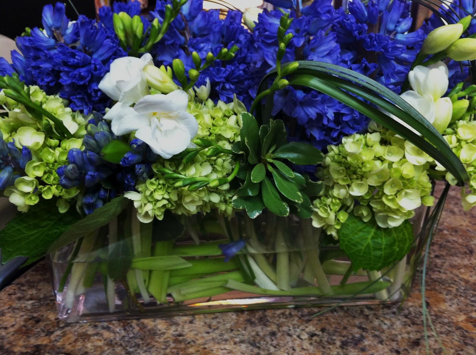 Boutique florale gigi lachine florist blue hyacinths green hydrangeas white freesias 75 mightylinksfo