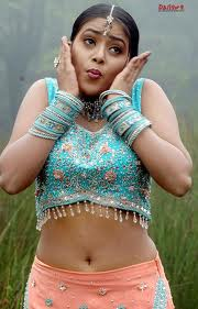 Shamna-Kasim-Poorna-hot-Actress-3