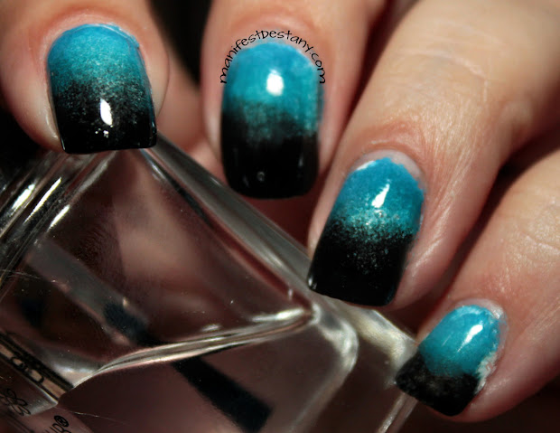 blue black nail art gradient