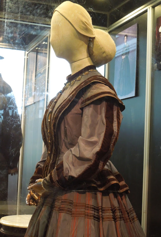 Gloria Reuben Elizabeth Keckley Lincoln dress detail
