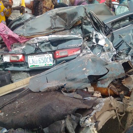 Graphic: 2 die in Fatal accident along Oshodi- Apapa expressway