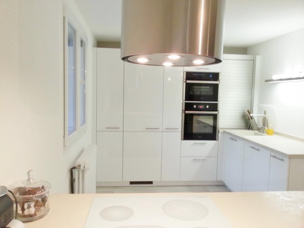 D co scandinave notre cuisine blanc laqu for Credence cuisine blanc laque