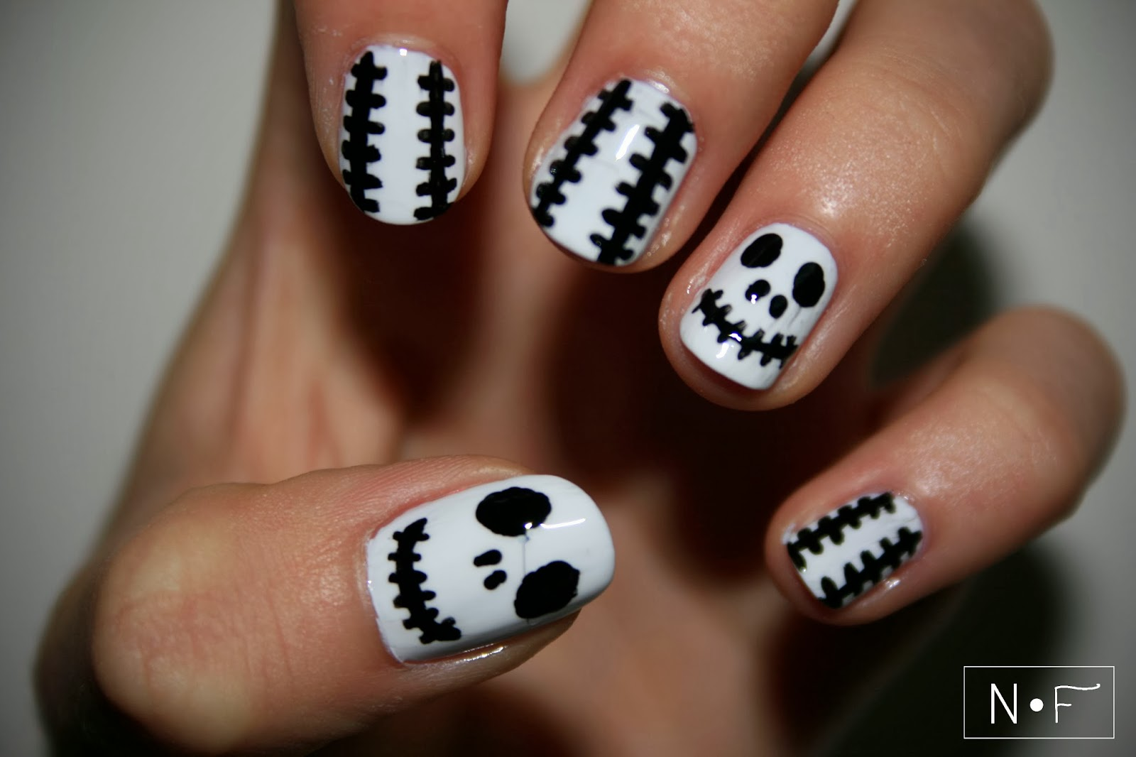 Easy To Do Halloween Nail Designs