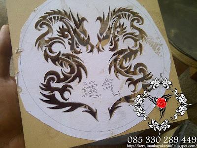 Souvenir Pernikahan Kayu MDF Full Ukir Jam Dinding
