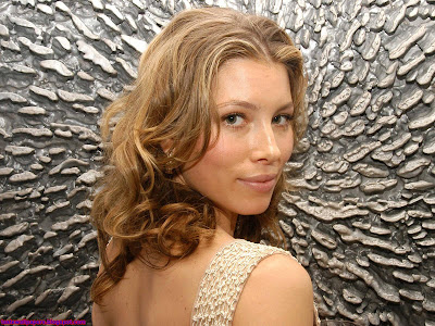 Jessica Biel-Beautiful Girl Wallpaper