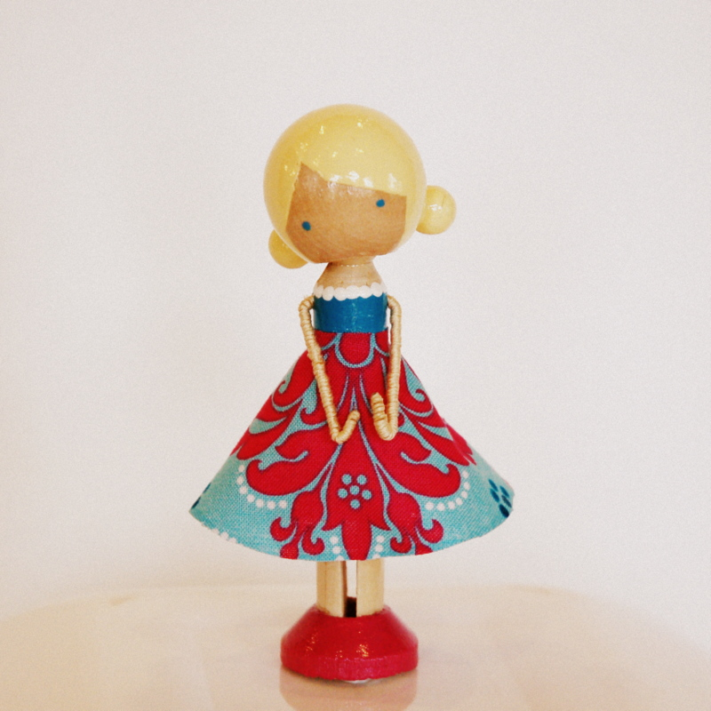 Restlessrisa clothespin doll for Close pin crafts