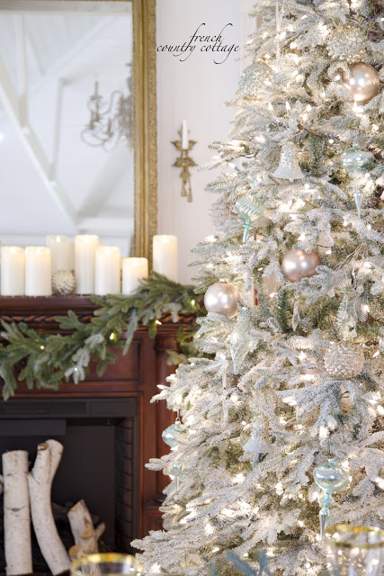 Christmas tree with pastel ornaments