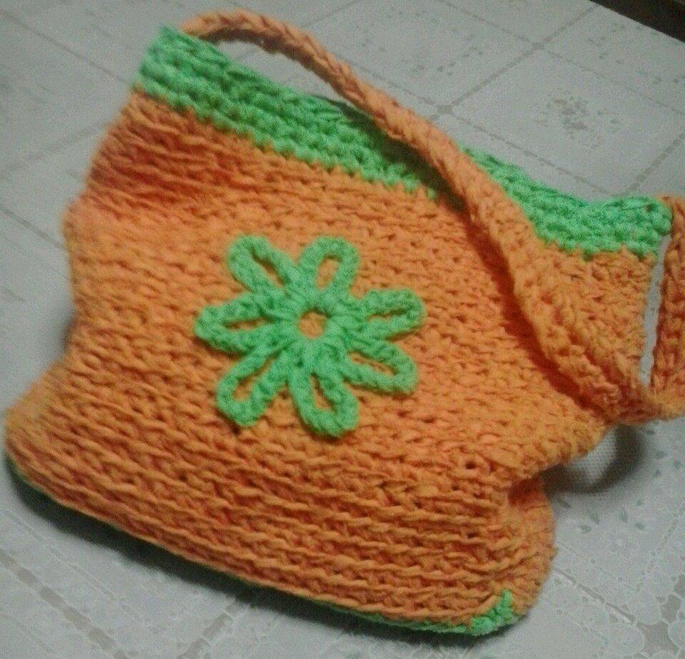borsa di fettuccia realizzata da angela reho