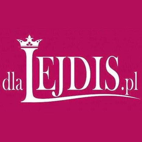 http://dlalejdis.pl/artykuly/pewnego_dnia_w_grudniu_recenzja