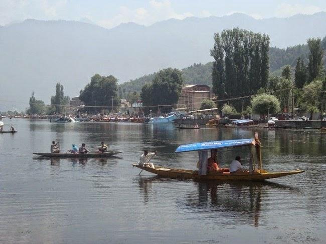 Kashmir: Shikaras