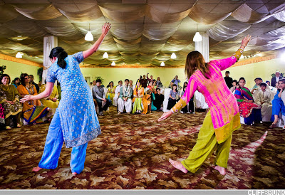 Pakistani Girls Dance In Wedding - Indian Pakistani Girls