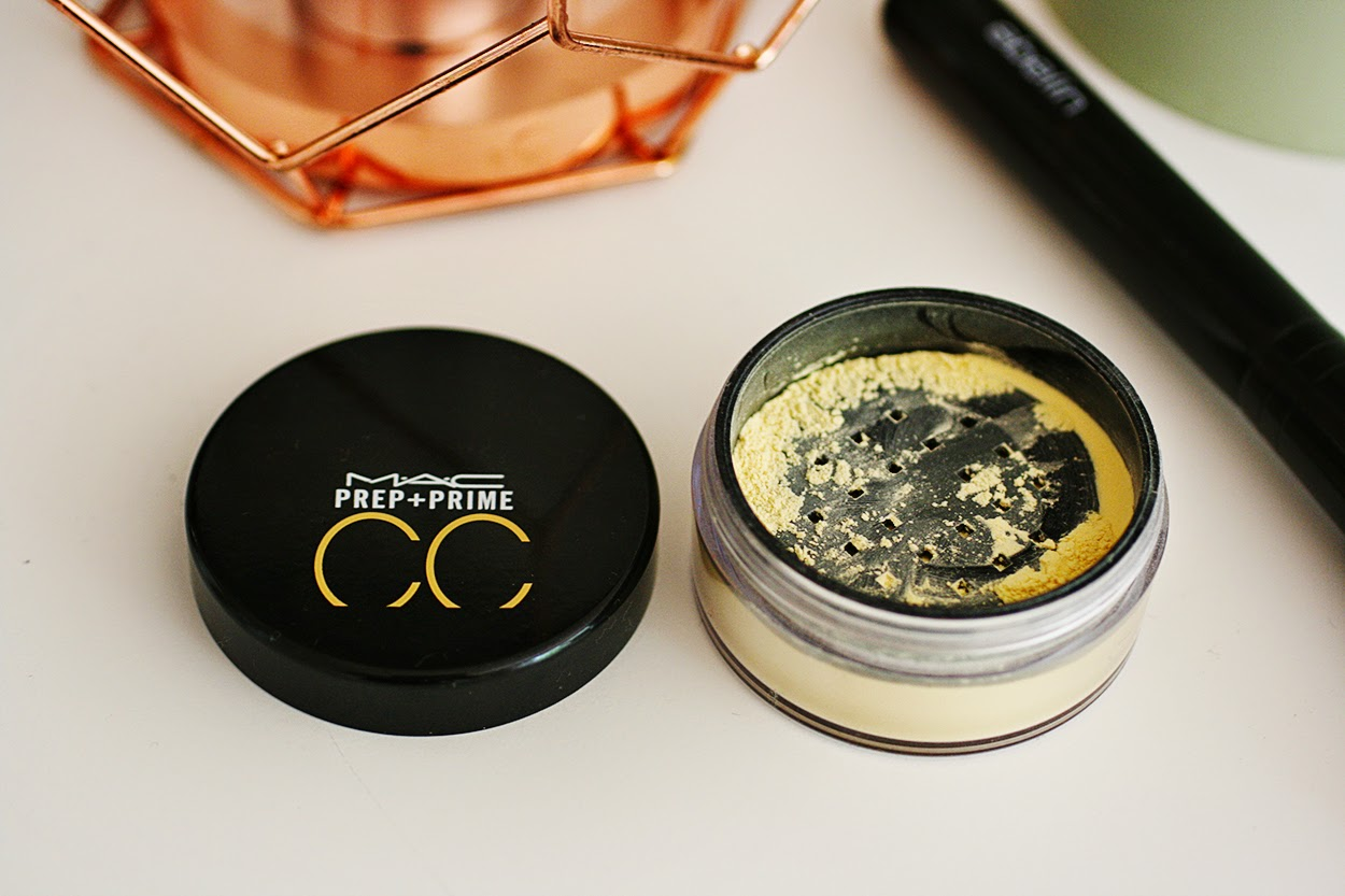 MAC PREP + PRIME CC COLOUR CORRECTING LOOSE Powder