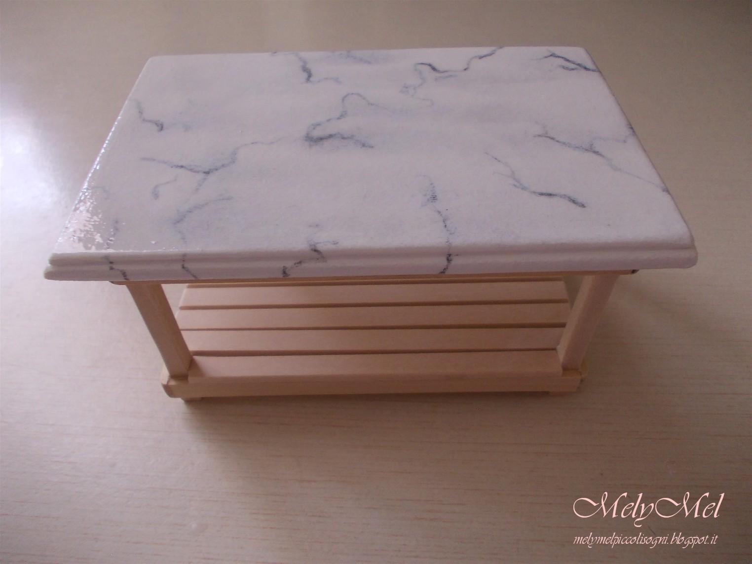 Melymel piccoli sogni tavolo in legno e finto marmo for Tavolo effetto marmo