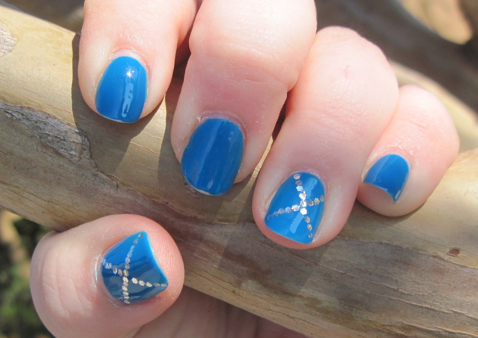 Nail-to-Nail Interpretations: 31 Nail Art Challenge Take Two Day 2: Flag