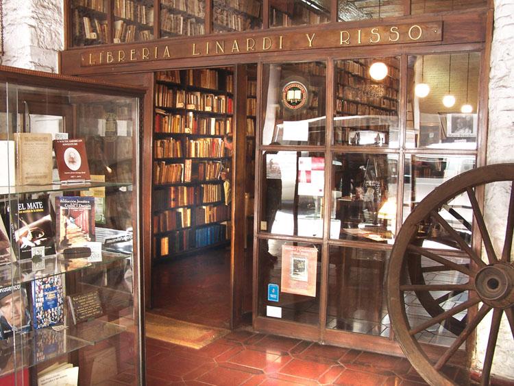 """Librería """"Linardi y Risso"""""""