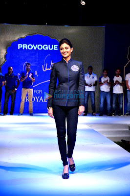 Shilpa Shetty walks the ramp for Provogue @ Rajasthan Royals