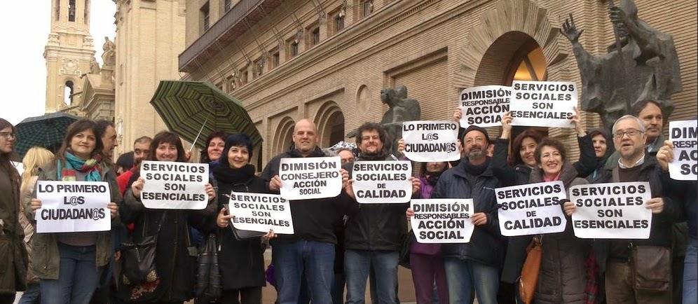 Concentracion profesionales de servicios sociales ayuntamiento zaragoza
