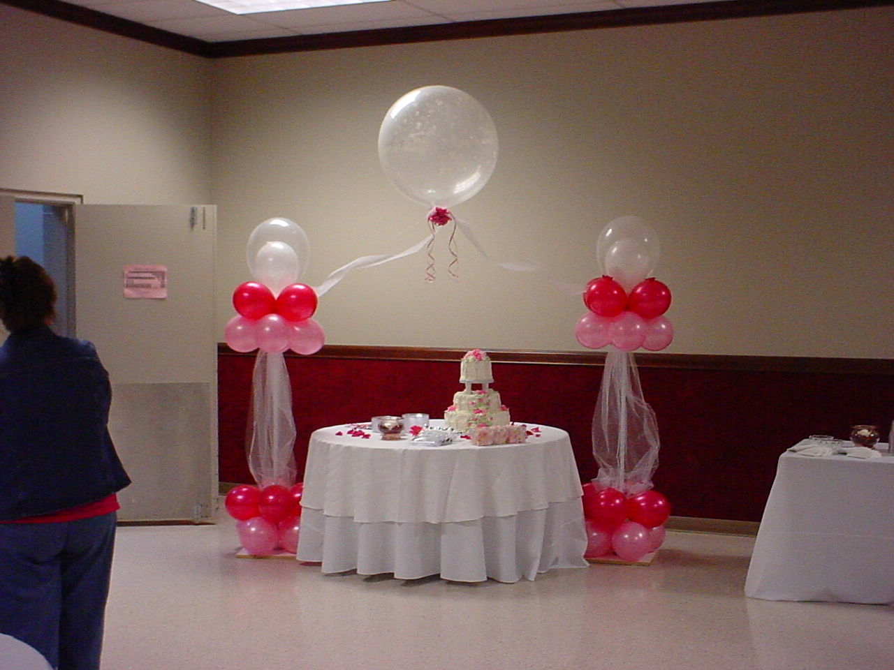 Balloon designs pictures balloon decor for Ballon wedding decoration