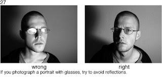 Совет 27. Если снимаемый носит очки -  необходимо избежать бликов от вспышки на стеклах очков. Для этого необходимо использовать боковую вспышку и боковой свет.