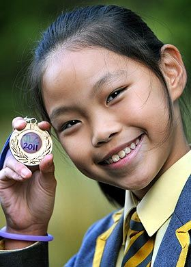 Sonia Yang - Budak umur 10 tahun sudah menguasai 10 bahasa