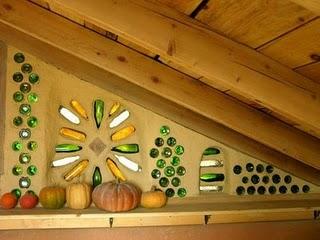 Construindo o sustent vel garrafas na parede for Decoracion de interiores reciclado