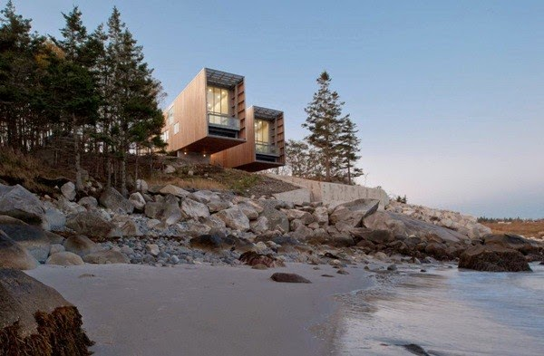 Two Hulls House, Canada