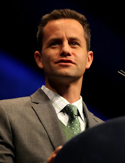 http://es.wikipedia.org/wiki/Kirk_Cameron