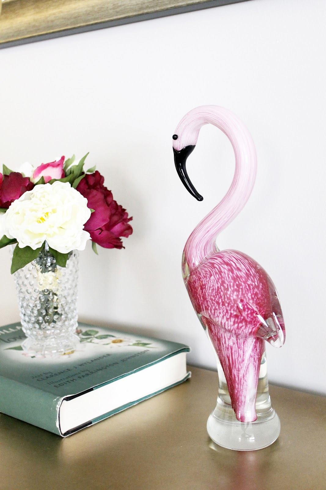 AM Dolce Vita: Fabulous Find: Pink Flamingo on decorating with giraffes, decorating with chickens, decorating with palm trees, decorating with penguins, decorating with horses, decorating with amazing grace,