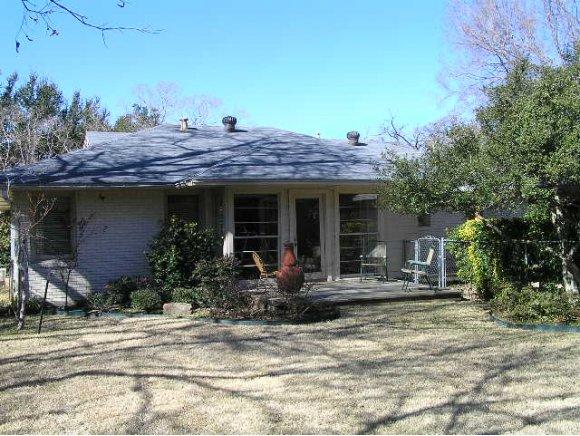 9754 Mixon Drive Dallas Tx 190 000 3 Bedroom 2 Bathroom Home For Sale