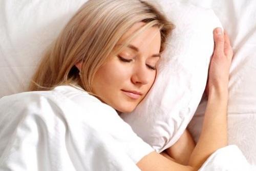 Lepas bra saat tidur