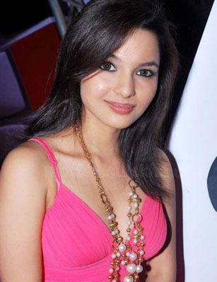 chitrashi rawat date of birth